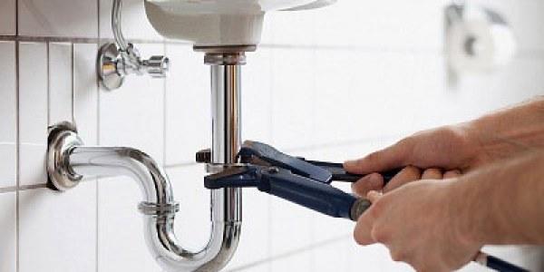 Cand trebuie inlocuite instalatiile in baie